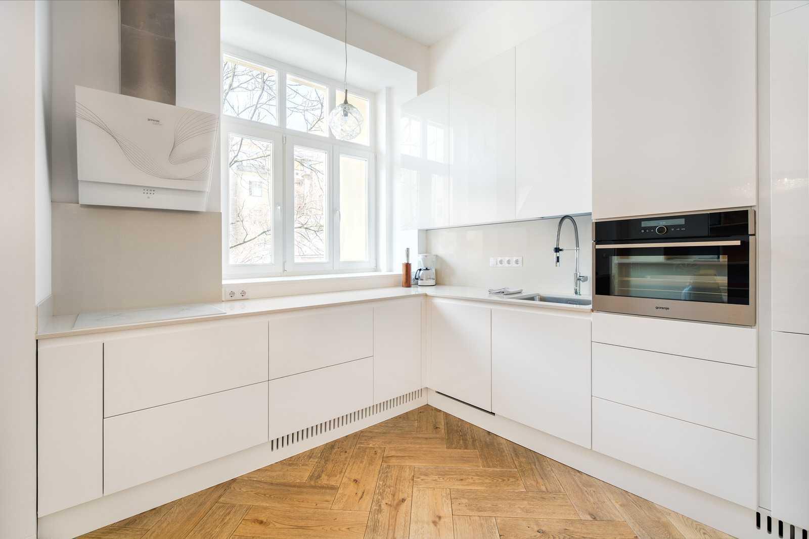 Ljubljana 2-bedroom Beethovnova apartment's fully equipped modern kitchen