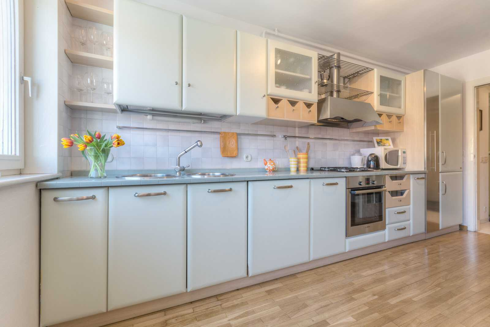 Ljubljana rental apartment Dalmatinova - fully equipped kitchen with a dishwasher, oven, fridge, freezer etc.