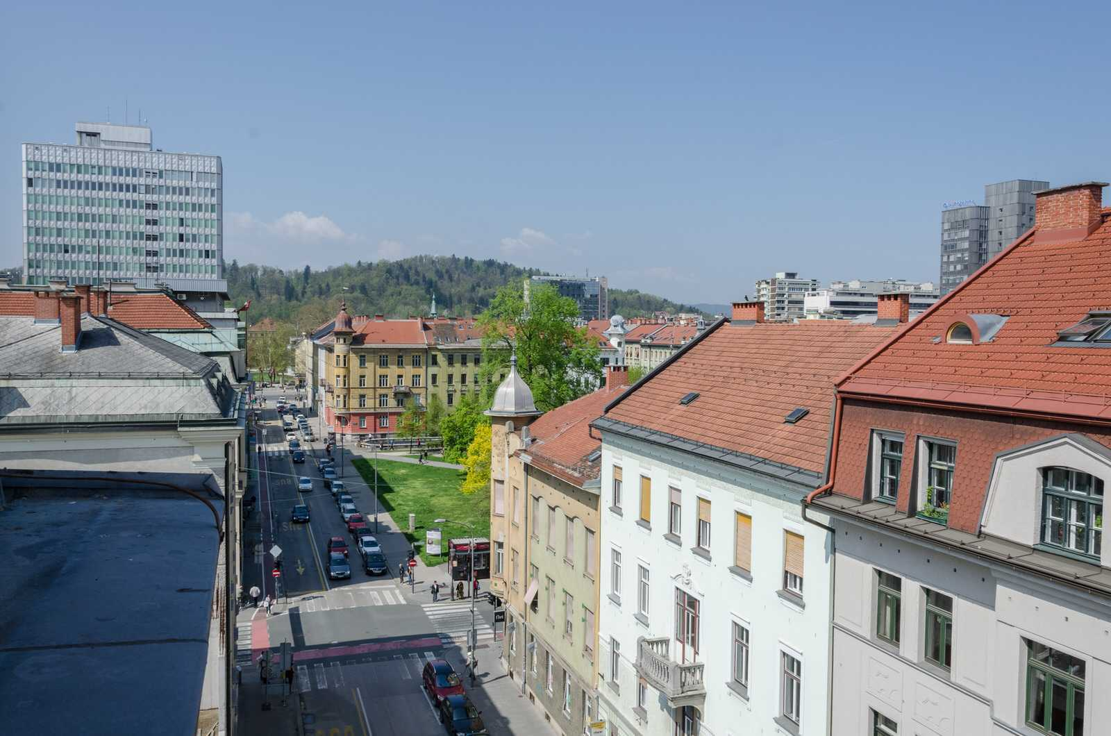 Ljubljana rental apartment Dalmatinova - street and city view from the living room.