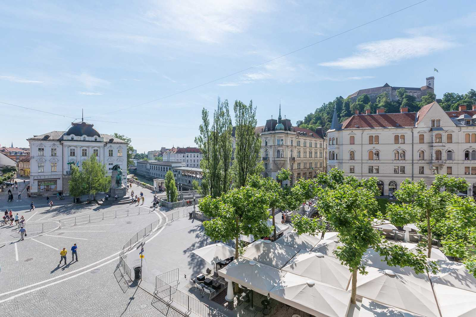View of the Prešeren Square with the Ljubljana castle in the background